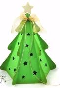 Weihnachtsbaum aus Pappe