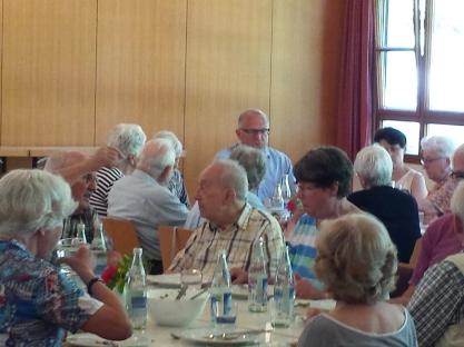 Gemeinsames Mittagessen am Mittelrain 04.06.2018